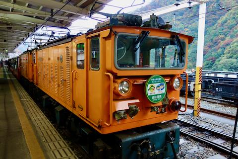 黒部トロッコ列車