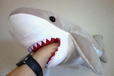 サメのぬいぐるみ